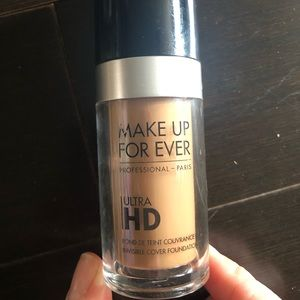 Makeup forever ultra HD invisible foundation